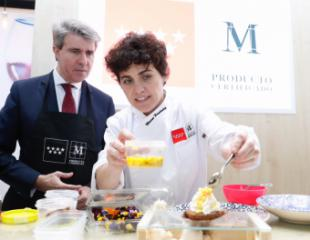 Garrido presenta a la chef Miriam Hernández como nueva embajadora de los alimentos madrileños M Producto Certificado