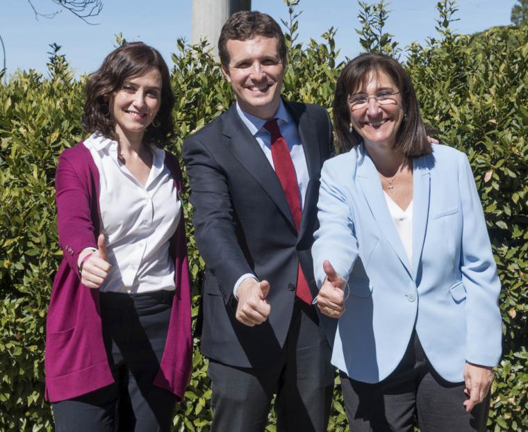 Pablo Casado junto a Isabel Díaz Ayuso y Susana Pérez Quislant visitan las instalaciones de la Fundación Gil Gayarre