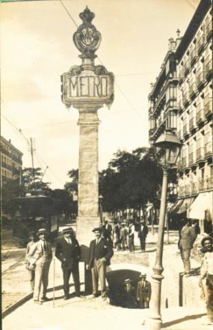La Comunidad de Madrid recuperará el histórico tótem de la estación de Cuatro Caminos