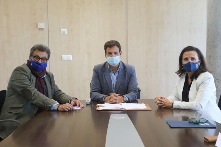 La Universidad Francisco de Vitoria (Madrid) y Las Rozas CF firman un convenio para realizar una investigación sobre la genética de sus deportistas