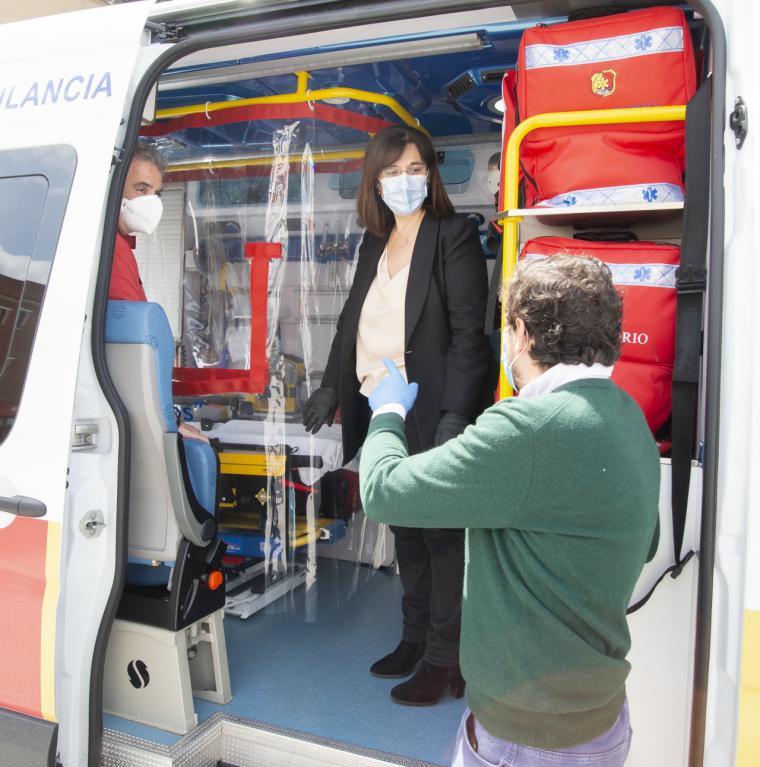 El Ayuntamiento de Pozuelo de Alarcón, pionero en la instalación de unos protectores en las ambulancias del SEAPA para el traslado de pacientes con COVID-19