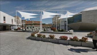 La Junta de Gobierno Local adjudica la redacción del proyecto y ejecución de obras de la cubierta textil en la Plaza del Padre Vallet