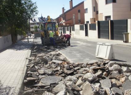 Sigue el Plan de Rehabilitación de Aceras, Calzadas y Estructuras 2014 en Moncloa-Aravaca