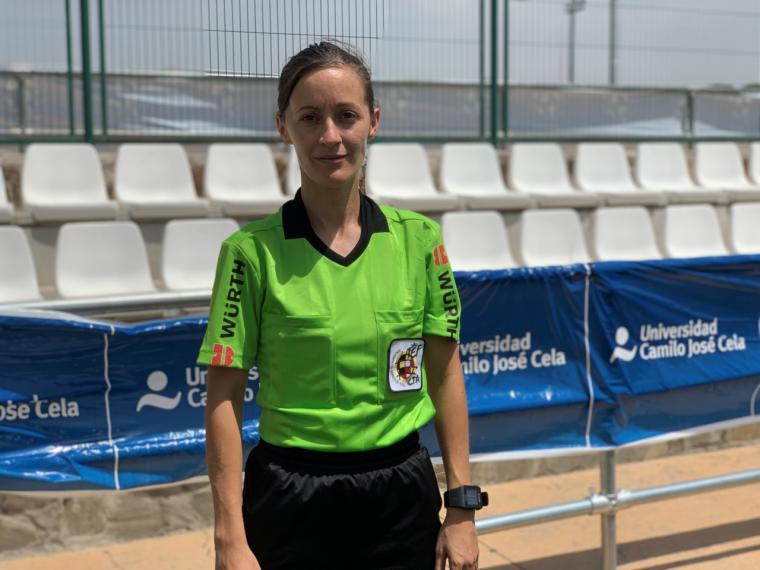 Los árbitros de Primera y Segunda División se entrenan en el sistema VAR en el Campeonato de Fútbol EUSA-UCJC