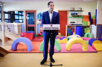 """Aguado: """"Me comprometo con las familias madrileñas a la gratuidad y el bilingüismo en la etapa 0-3 años"""""""