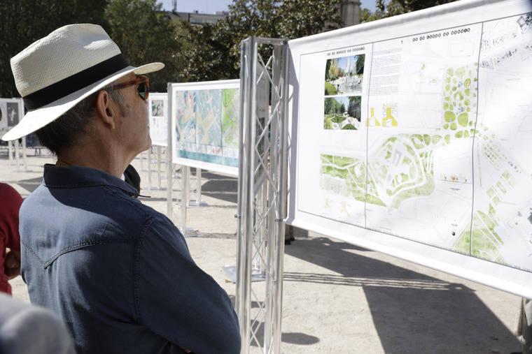 La Plaza de España acoge una exposición con 70 proyectos para su remodelación