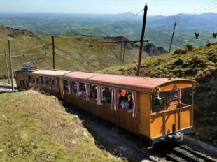 El tren de Larrun celebra su 95 aniversario