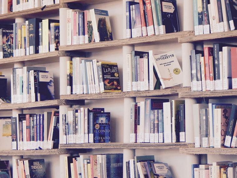 Los libros más leídos y mejor valorados por los españoles para regalar estas Navidades