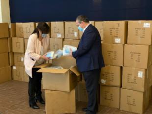 El Ayuntamiento de Pozuelo ha adquirido un total de 500.000 mascarillas de protección y el lunes comienza el segundo reparto en los domicilios
