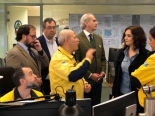 El primer teniente de Alcalde del Ayuntamiento de Pozuelo de Alarcón acompaña a la presidenta de la Comunidad de Madrid en su visita al Centro de Emergencias 112