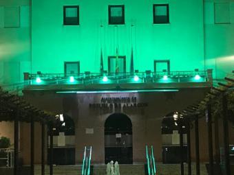 Pozuelo de Alarcón ilumina con luz verde la fachada del Ayuntamiento para expresar el apoyo y agradecimiento de la ciudad a la labor de sanitarios y resto de personal que trabajan para acabar con el covid19