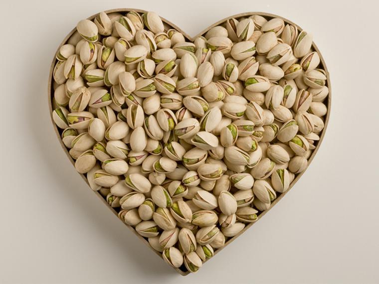 Comer pistachos ayuda a mejorar la satisfacción sexual