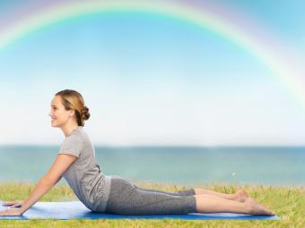 Posturas de yoga que pueden aliviar la sensación de congestión nasal