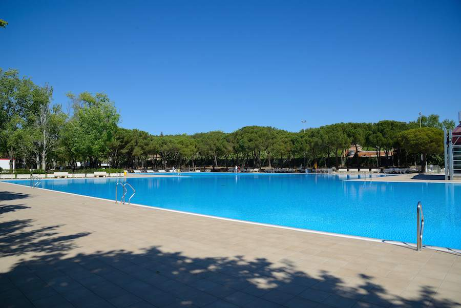 Abren las piscinas municipales en moncloa aravaca en pozuelo for Se hacen piscinas