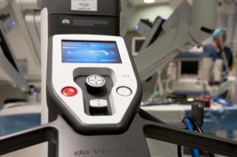 El sistema da Vinci abre un nuevo campo en cirugía de cabeza y cuello mínimamente invasiva