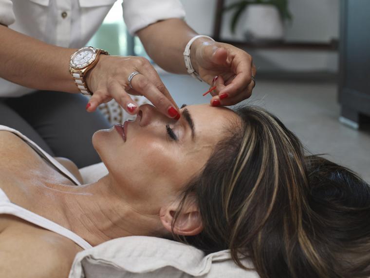 Workout Facial: los ejercicios faciales antiaging que te recomendamos mientras estás teletrabajando