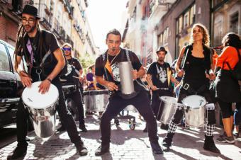28 bandas fusionan raíces brasileiras, latinoamericanas y europeas.