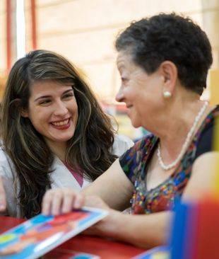 Apoyo social y terapia ocupacional para personas mayores del distrito de Moncloa-Aravaca