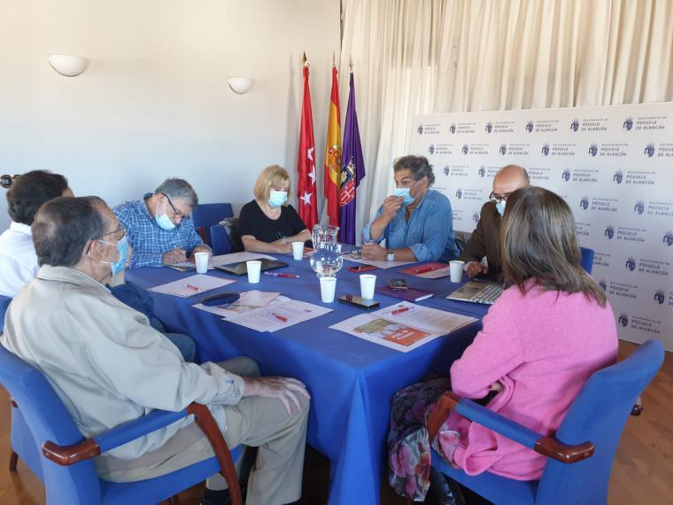 El PSOE de Pozuelo mantiene una reunión con la principal asociación de mayores de Pozuelo para conocer sus necesidades