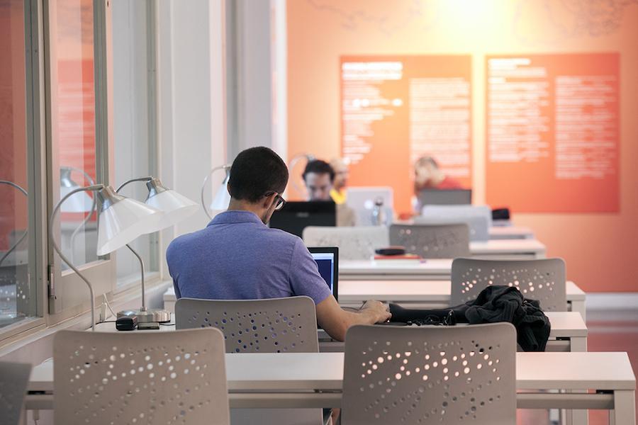 Casi 200 espacios municipales con wifi en madrid en pozuelo for Ayuntamiento de madrid oficina de atencion integral al contribuyente