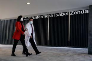 """Díaz Ayuso defiende que el Hospital Enfermera Isabel Zendal es el """"más seguro y preparado"""" de España para la lucha contra el COVID-19 y denuncia la """"campaña política y de desprestigio que está soportando"""" el centro"""