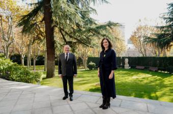 Díaz Ayuso aborda con el embajador de Francia la estrategia serológica de la Comunidad de Madrid como clave contra el COVID-19
