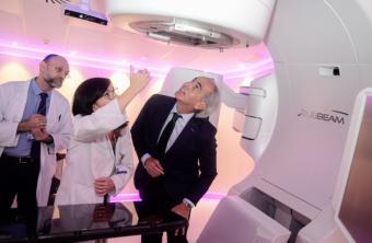 La Comunidad pone en marcha el primer acelerador lineal contra el cáncer adquirido con la donación de la Fundación Amancio Ortega