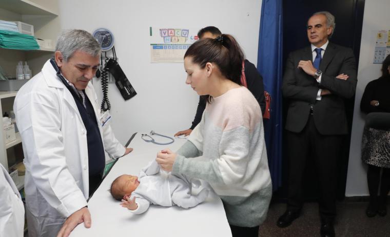 La Comunidad desarrolla un programa para que el Hospital cite al recién nacido con su Centro de Salud antes del alta hospitalaria
