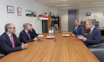 Garrido anuncia que las instituciones europeas participarán en la elaboración de la nueva asignatura sobre la UE para alumnos madrileños