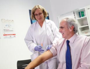 Hoy comienza la campaña de vacunación frente a la gripe dirigida a más de un millón de madrileños