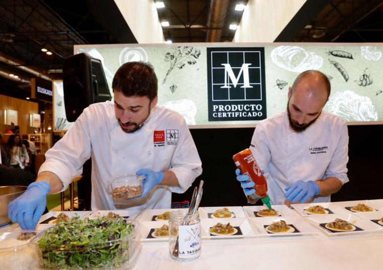 La Comunidad de Madrid organiza showcookings, maridajes y catas en el stand que promociona los productos madrileños de Madrid Fusión