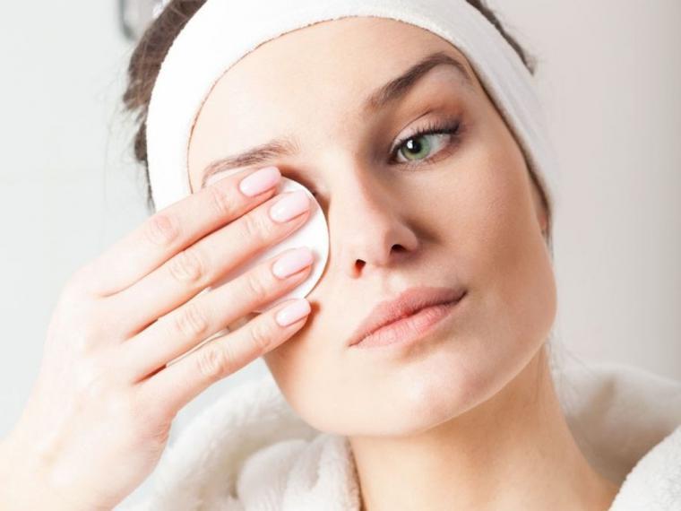 Por qué es tan importante limpiar y desmaquillar correctamente la piel