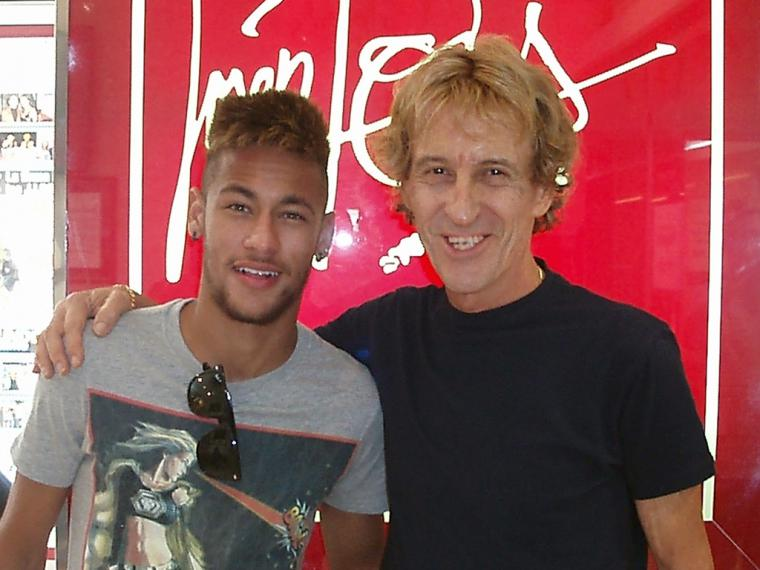 El peluquero de celebs como Neymar, Sharon Stone, Bertín Osborne y Tina Turner, nos habla de tendencias y otras curiosidades