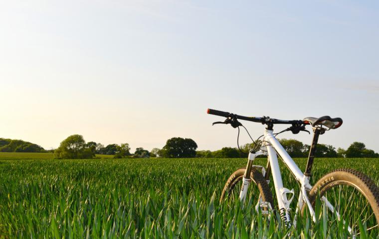 El material Imprescindible para una ruta en Mountain Bike