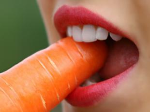 ¿Cómo afecta la dieta vegana a tus dientes?