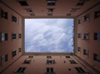 La Comunidad de Madrid amplía en 450.000 euros los Planes Renove de ascensores y ventanas con 30.000 beneficiarios