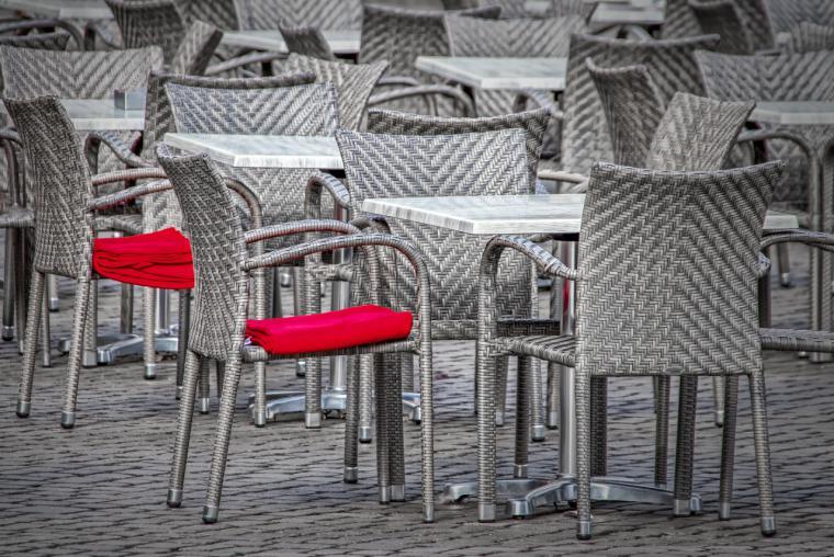 Los madrileños escogen locales con terrazas y el 24% repiten