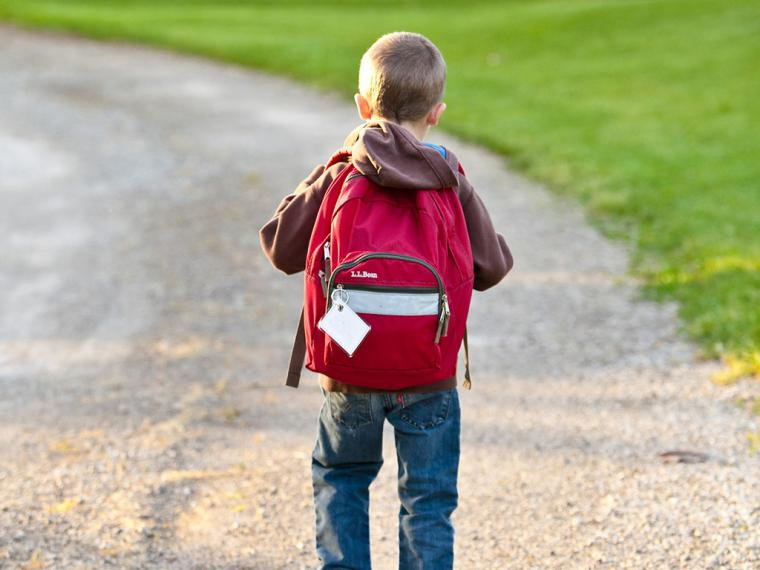 Niños y dolor de espalda, no sólo es cuestión de mochilas