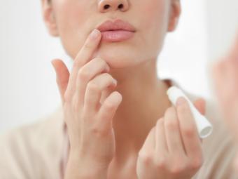 Labios y cuarentena: causas de la sequedad y prevención