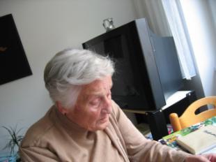 Lanzan una campaña nacional contra la soledad de las personas mayores en Epaña
