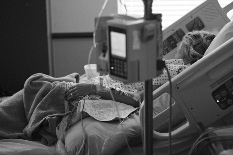 La Comunidad de Madrid permitirá la próxima semana visitas y acompañamientos a los pacientes no COVID en los hospitales de la región