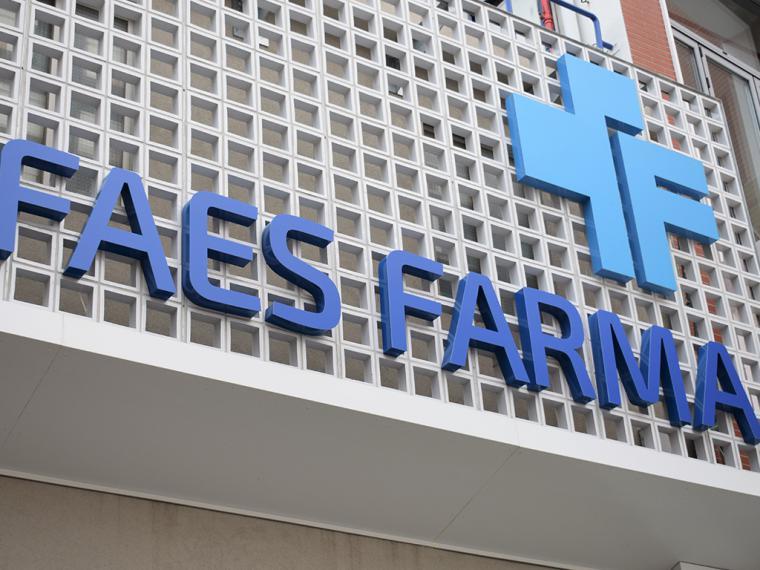 Faes Farma fabricará más de 100.000 litros de gel hidroalcohólico en su planta de Bilbao