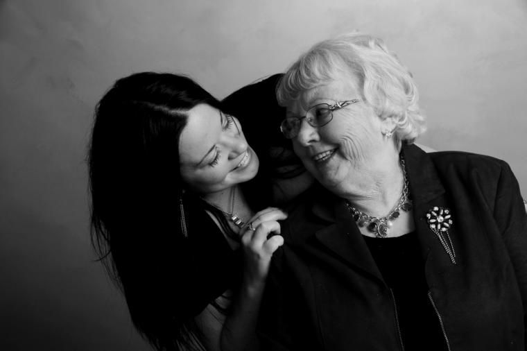 La Comunidad pone en marcha el Programa de Viviendas Compartidas para los mayores de 65 años