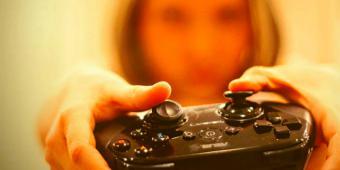 ¿Qué perjuicios visuales y físicos producen los videojuegos?
