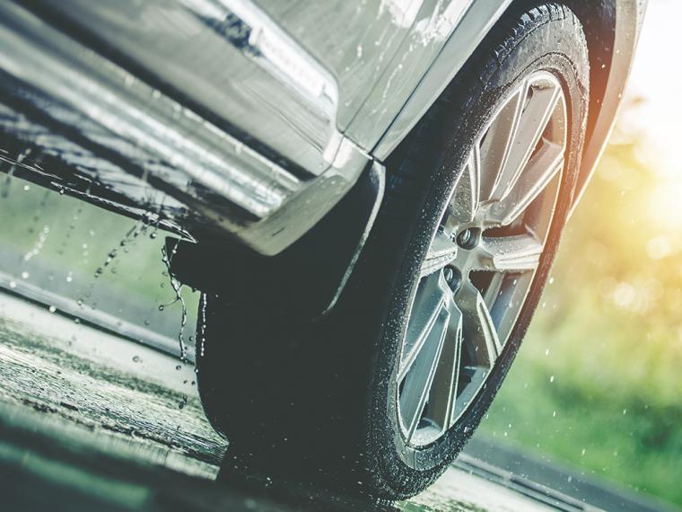 Consejos para conducir de forma segura ante condiciones climatológicas adversas