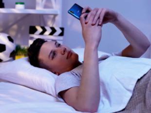 El 65% de los jóvenes españoles considera que un like o comentario en redes sociales es la nueva forma de flirtear