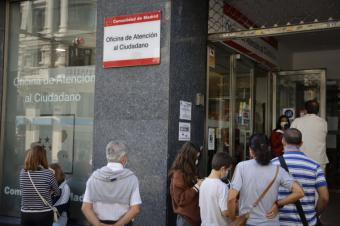 La Comunidad de Madrid amplía el horario de atención al ciudadano a las tardes y los sábados