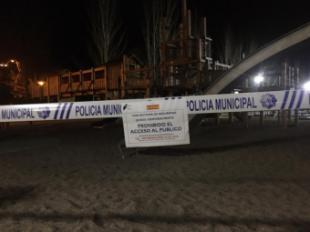 El Ayuntamiento de Pozuelo de Alarcón clausura sus parques infantiles y hoy a primera hora el resto de los parques