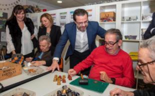 Las familias de Pozuelo de Alarcón y de la Comunidad de Madrid con mayores de 65 años a su cargo o con discapacidad podrán beneficiarse de una nueva deducción fiscal