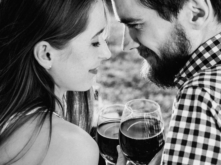 El vino tinto en la relación en pareja
